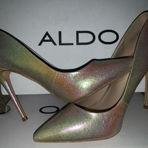 Metallic Holographic Pumps